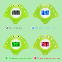 black swimming toys UK - Alarm Toy Floating Backlight Color-changed Water Thermometer Tub Infant Swimming Pool Digital Bath