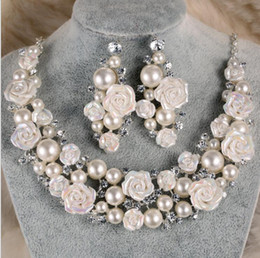 $enCountryForm.capitalKeyWord Canada - Bridal Accessories Tiaras Hair Necklace Earrings Accessories Wedding Jewelry Sets cheap price fashion style bride hair Pin crown