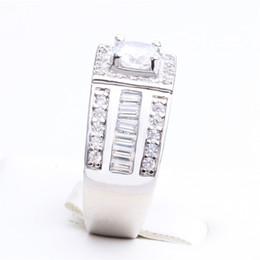 $enCountryForm.capitalKeyWord Australia - Exquisite Luxury Mens Womens Natural White Sapphire Ring Crystal Zircon Inlay Wedding Party Jewelry US Size 7-11