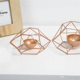 venda por atacado Titular Metal Line Geometria Lighting Candle pricket delicado casa Decore hialina Candler Originalidade Pure Color Hot Sale 11 79lpE1