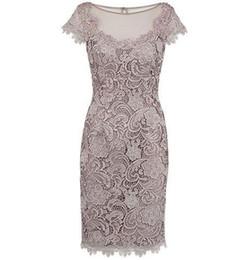 $enCountryForm.capitalKeyWord UK - Vintage Lace Mother Dresses Short Sleeve Sheath Lace Appliques Jewel Neck Mother of the Bride Dress Knee Length Formal Wear