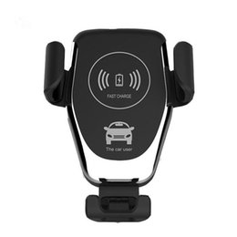 Chinese  Qi Wireless Charger For iPhone X XR XS Max 8 Plus 10W Fast Wireless Car Charger Charging Pad For Samsung S9 S8 Car Holder Charger manufacturers