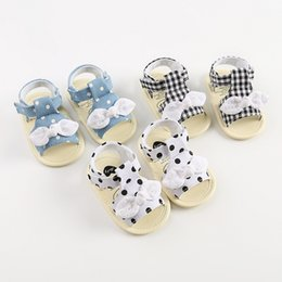 wholesale plaid fabrics Australia - 2020 Hot New Summer Baby First Walkers Child Girls Bow Dot Plaid Breathable Anti-Slip Shoes Sandals Toddler Soft Soled Beach Shoes M1954