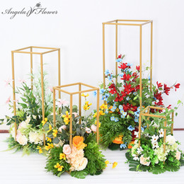 Wrought Iron Flowers UK - New wedding props geometric wrought iron stand artificial flower road lead creative decor flower arch wedding road lead T-stage