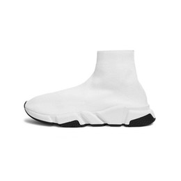 $enCountryForm.capitalKeyWord Australia - Designer Casual Speed Sneaker For Men Women Trainer fashion Sock Shoe Gray Triple Black White Red Blue Flat mens Outdoor Trainer