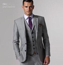 Ingrosso New Customize Smoking dello sposo Slim Fit Groomsmen Grigio chiaro Sfogo laterale Matrimonio Best Man Suit Tute da uomo (Jacket + Pants + Vest) 703