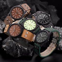 $enCountryForm.capitalKeyWord Australia - Vintage Classic Men's Waterproof Male Clock Date Leather Strap Sport Quartz Army Watch Luxury Watch Men Masculino