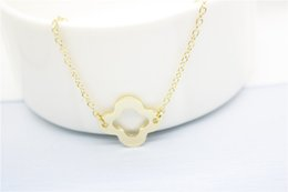 $enCountryForm.capitalKeyWord NZ - Outline Open Four Leaf Clover pendant Necklace Lucky 4 leaf Clover Necklace Simple Grass Plant Shamrock Necklaces Birthday Gifts