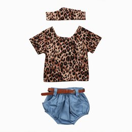 $enCountryForm.capitalKeyWord UK - 4PCS New Fashion Baby Girls Clothes Set 2017 Summer Backless Leopard T-shirt Tops+Denim Shorts Bloomers Headband Bebek Giyim Y190515