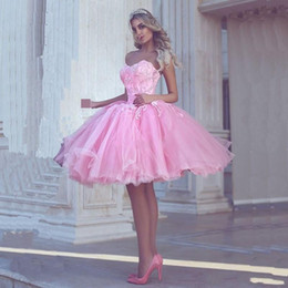 pink princess apple NZ - Princess Ball Gown Short Party Dresses Pink Sweetheart Cheap Prom Dress Lace Appliques Arabic Dubai Style Tiered Tulle Homecoming Dress