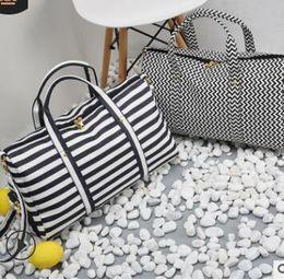 El nuevo bolso de señora y cuero con flecos 2019 combina con todo, desde un bolso diagonal hasta un bolso bandolera 02 en venta