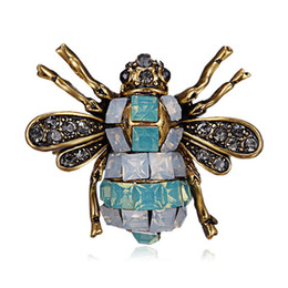5301f790a87 2018 New Bee Brooch Pin Jewelry for Clothes Fashion Enamel Pins and Brooches  for Women Cute Animal Brooches Badge for Best Friend