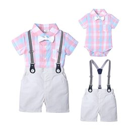 $enCountryForm.capitalKeyWord Australia - New Baby Kids Boys Gentleman Suits Polo Collar Bow Tie Rompers Tatting Cotton Fabric Tees with Overalls Pants 2 pieces Children Clothing Set