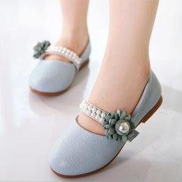 Elegant Flower Girl Shoes Australia - 2019 elegant children girl princess Pearl flower Leather shoes dance for wedding party casual shoes Half sandals Peas shoes