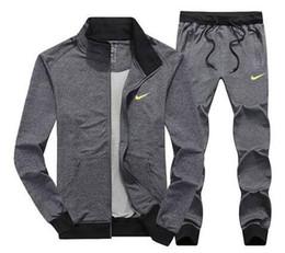 Ingrosso Pantaloni da uomo all'ingrosso Pantaloni da jogging da jogging Set dolcevita Tute sportive Tute da ginnastica Moda Sportswear spedizione gratuita