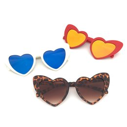 frames love Australia - Love Heart Sunglasses For Women Fashionable Glasses Vintage Love Eye wear Oversized Frame Blue Red Brown Heart Shape Sun Glasses for Men