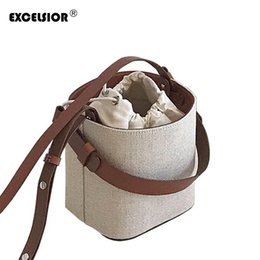 cell phone bag shoulder strap UK - EXCELSIOR Fashion Bucket Bag Women's Crossbody Bags Beach Handbag Weave Portable Shoulder Messenger Wicker Bag Detachable Strap Y190606