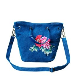 $enCountryForm.capitalKeyWord UK - Fashion National Embroidery Women Travel Handbags!Nice Floral Embroidered Shoulder&Crossbody bags Multi-use Bohemian Canvas bags