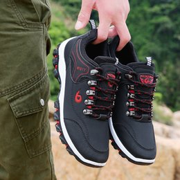 Wholesale New Men Casual Shoes Leather Outdoor Hiking Shoes Men Sneakers Male Adult Casual Army Trainers Footwear