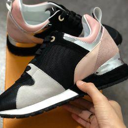 Toptan satış En Çok Satan Lüks Tasarımcı Popüler Deri Rahat Ayakkabılar Bayanlar Erkekler Tasarımcı Spor Ayakkabı Moda Deri Açık Ayakkabı Karışık Renk