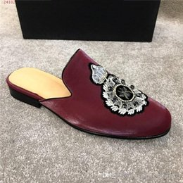 $enCountryForm.capitalKeyWord Australia - HOt sale 2019 New Genuine Leather Horsebeit Loafers Scuffs Fashion print slippers casual shoes for your foot and comfortable