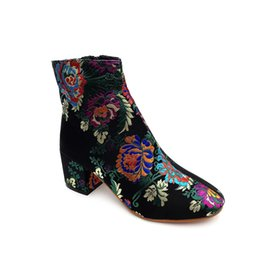 Gothic Shoes Boots UK - 2019 Spring Winter Women Flock gothic Short Boot Female Nationality Printing Embroidery Round Shoes enkel laarsjes vrouwen cg
