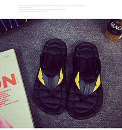 $enCountryForm.capitalKeyWord Canada - 2019 newest hot fashion best Summer Eye Monster men's shoes flip flops for loose-fitting men beach slippers rubber flip-flops men sandals