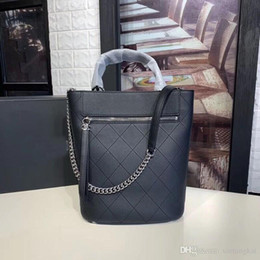 $enCountryForm.capitalKeyWord Australia - Lady's new bucket bag, calfskin material soft and thick feel, exquisite workmanship top hardware accessories