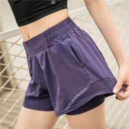 Wholesale lu-33 loose yoga shorts pocket quick dry gym sports shorts high quality 2020 new style summer dresses with brand logo