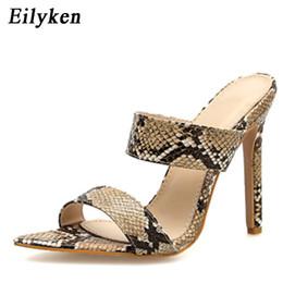 9c6645a83635 Eilyken Femmes Mode Peep Toe Pantoufles Sandales En Plein Air Super Haut  Talon Été Chaussures D'été Imprimer Léopard Noir Pantoufles