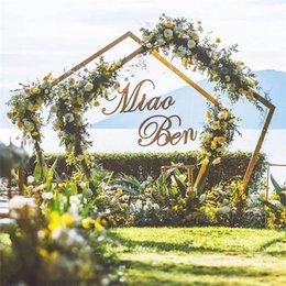 Ingrosso Nuovo matrimonio fondale in ferro battuto Geometria Pentagono strada piombo metallo arco fiori mensola per la decorazione della festa nuziale