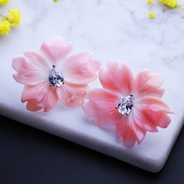 natural sapphire earrings Australia - Pearl Flower Stud Earrings Baroque Natural Shell Pearl Brincos Statement Ear Jewelry Party Wedding Bridal Earring Ewx001702 T7190617