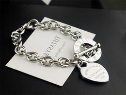 $enCountryForm.capitalKeyWord NZ - High Quality Celebrity design Silverware Gold Chain bracelet Women Letter Heart-shaped Bracelets Jewelry Silver With dust bag Box