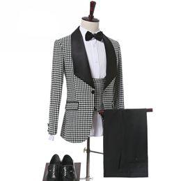 $enCountryForm.capitalKeyWord Australia - Custom-made One Button Groomsmen Shawl Lapel Groom Tuxedos Men Suits Wedding Prom Dinner Best Man Blazer(Jacket+Pants+Tie+Vest) A115