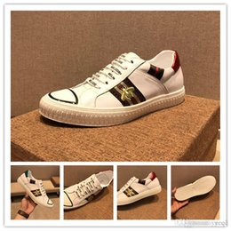 Fashionable Flat Shoes Laces Australia - Fashionable Youth Mens Shoes Casual Unisex White Sneakers Breathable Walking Canvas Shoes Men Women Red Lace Up Flats