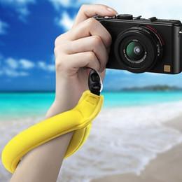$enCountryForm.capitalKeyWord NZ - Foam Neoprene Mobile Camera Diving Buoyancy Wrist Straps Floating Hand Band Anti-lost Bracelet Swimming Accessories