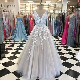 $enCountryForm.capitalKeyWord NZ - 2019 Gorgeous A-line V-neck Prom Dresses Sleeveless Nude Lace beading belt African applique Formal Dress Women Long 2019 evening gowns