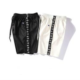Venta al por mayor de 2019 nuevo diseño Hombres Pantalones cortos de baloncesto Ropa deportiva de verano Tipo de paneles Surf de playa Moda para nadar Bañadores Pantalones cortos Bermudas para hombre para hombre