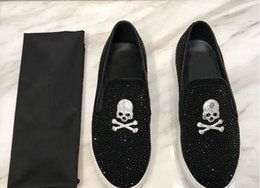Red Skull Shoes Australia - Fashion European style Casual Formal Shoes For Men Black skull rhinestone Genuine Leather Men Wedding Shoes Metallic Mens Studded Loafers