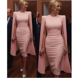 $enCountryForm.capitalKeyWord NZ - Pink Sheath Knee Length Evening Dresses with Cape Jewel Neck Satin and Chiffon Short Formal Gown Custom Made Ladies Prom Party Gowns