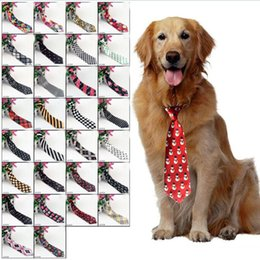 Großhandel Große Große Hunde Krawatten Krawatten Für Mittlere Große Haustier Polyester Seide Dress Up Krawatte Hundepflege Liefert 30 farben