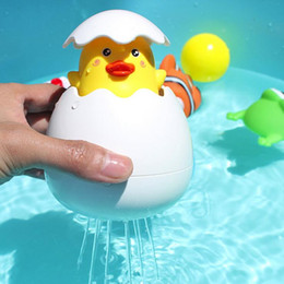 Bebé pato lindo Huevo Pingüino Huevo Ducha de baño Aerosol de agua Juguetes de agua de rociado Nuevos juguetes de agua de aspersión Novedad de dibujos animados Regalo divertido para niños en venta