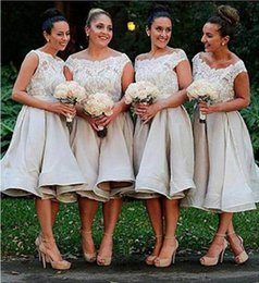 lace bateau neckline bridesmaid dresses 2019 - Custom Made Short Bridesmaid Dresses A-Line Illusion Bateau Neckline Romantic Lace Top Bridesmaids Gowns Under Knee Leng