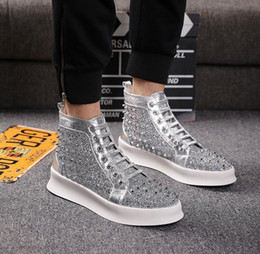 $enCountryForm.capitalKeyWord Australia - 2019Hot The best-selling silver diamond sneaker mens and women's pointed fashion casual shoes design loafers.38-44 x24Men's shoes