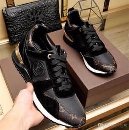 Venta al por mayor de Los mejores zapatos casuales de cuero Mujer Diseñadores zapatillas de deporte de los hombres zapatos de cuero genuino moda Caja de color mezclado original
