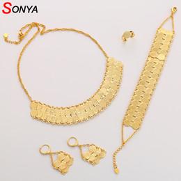 563192c2db68 SONYA Dubai Gold Color Jewelry Set Para Mujeres Joyería Etíope Africana  Anillo de Moneda Antigua Pulsera Pendientes Collar Conjunto