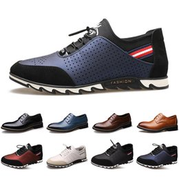 Discount sneakers business casual 2020 Arrival Designer men leather casual shoes black navy blue brown Business fashion platform flat party mens trainers