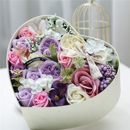 fragrant flowers NZ - 1pcs Rose Artificial Soap Fragrant Wedding Bouquets Flowers With Gift Box For Girlfriend' Birthday Gifts 25*25*12cm Y19061103