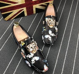 Christmas Gift Shoes NZ - The famous brand designer mens leisure shoes Christmas gift is a pair of animal shoes.38 44 c70