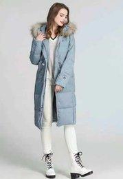 Vente en gros 2019 80% blanc hiver duvet de canard mode vestes manteau simple avec capuche plusieurs poches col de fourrure durable garder au chaud de bonne qualité fermeture à glissière